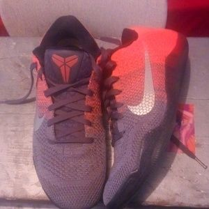 "Nike Zoom Max ""BetterWorld. Com"" rare Colorway"